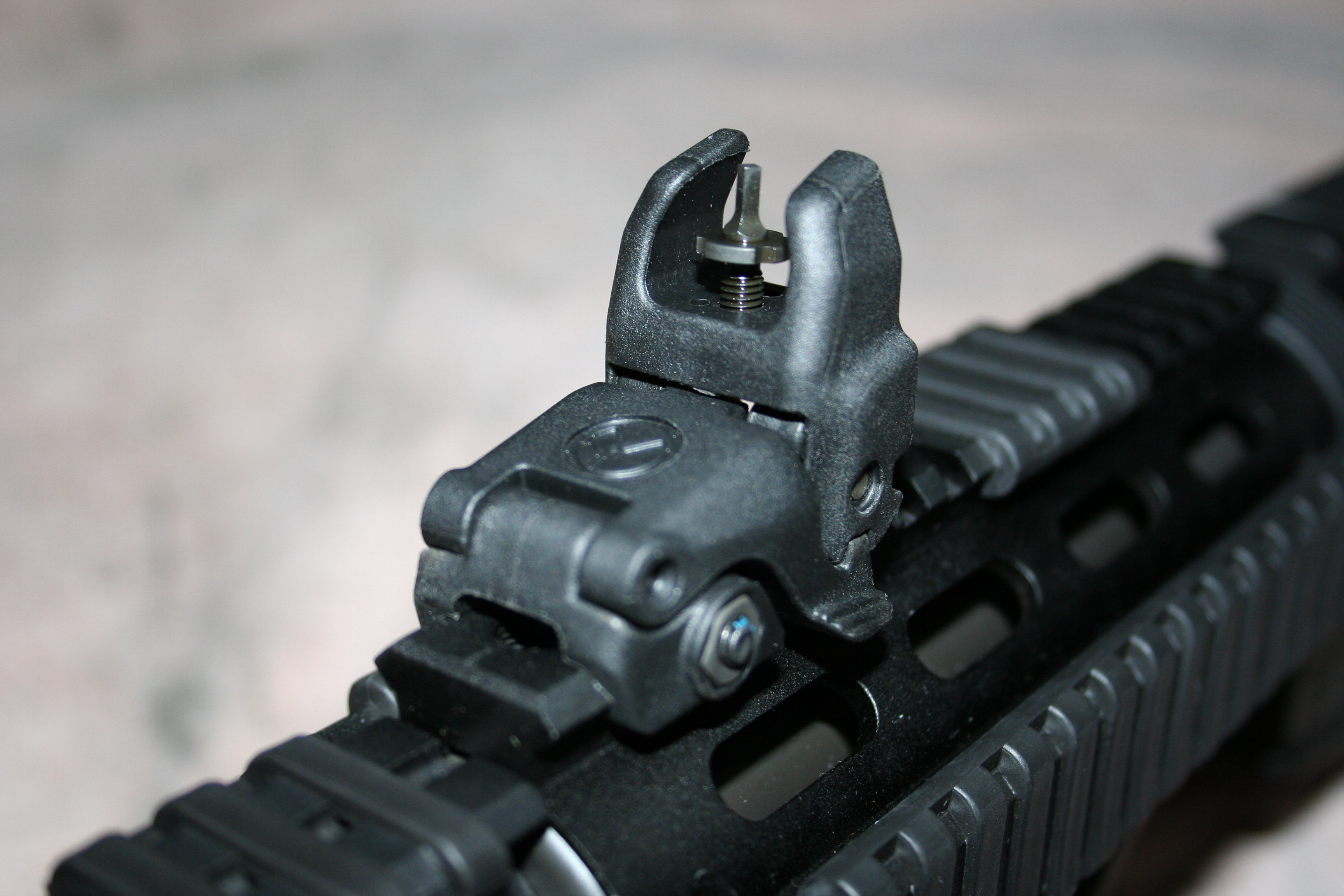 Magpul Industries MBUS Pro Back-Up Rear Sight Review ...