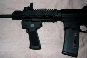 LaserMax Carbine Grip Laser 9
